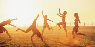 Kai žmogaus  mintys laimingos, jis laimingas. Kai žmogaus mintys nelaimingos, jis nelaimingas.